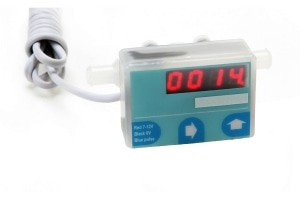 The 800 series displaying flow meter is a turbine flow meter incorporating a programmable display, for the complete rate and totalizing flow meter solution.