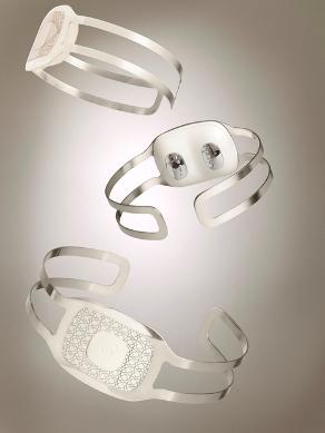 BodyMedia CORE 2 jewellery.