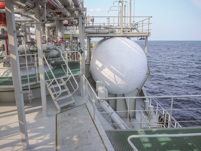 VEGA sensors can reliably and accurately detect even the lowest levels of LNG at the bottom of a tank.
