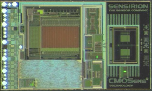 Photograph of the CMOSens differential pressure sensor chip.