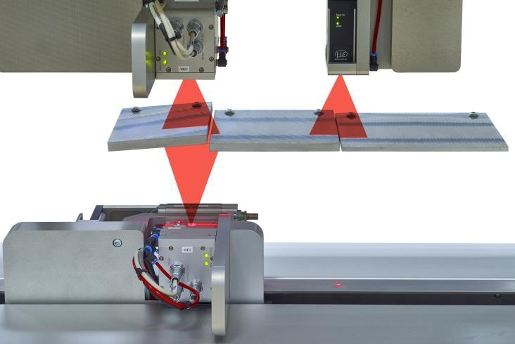 Thickness measurement with integrated width measurement in a single system